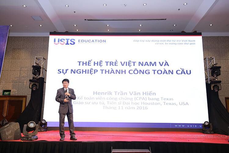 giáo sư Trần Văn Hiền