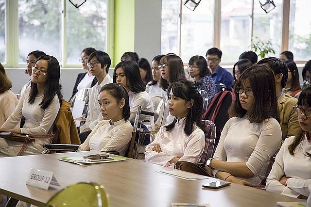 Buổi tập huấn Boot Camt cho 130 nữ sinh Đại sứ STEM