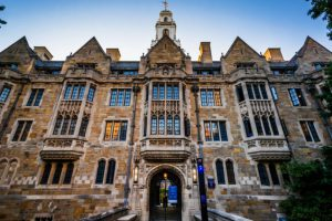 Trường đại học Yale University