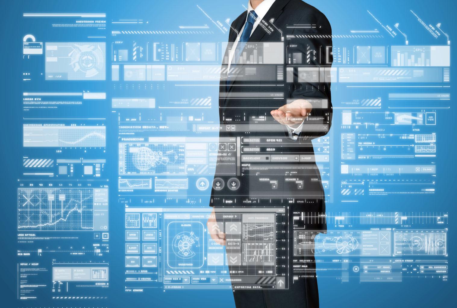 Người đàn ông trên nền công nghệ thông tin